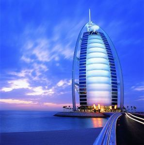http://malemminggu.files.wordpress.com/2010/06/imgname-burjalarab_is_the_best_hotel_in_the_world-50226711-burj-al-arab.jpg?w=297&h=300